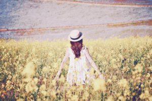菜の花の女の子